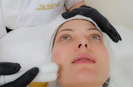 טיפול פנים בלייזר – venus versa